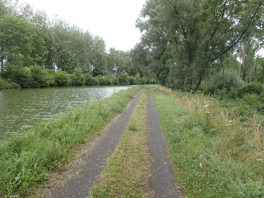 Vei langs kanal