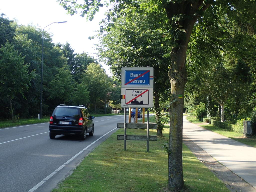 Baarle skilt, grense