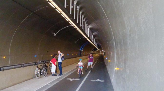 Gretten, gammel gubbe langer ut mot syklister @VGanders