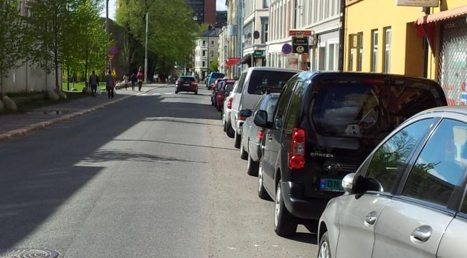 Missing link: Åkebergveien. Opprydding i @Bymiljøetaten er nødvendig, @GuriMelby