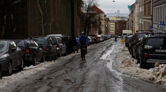 Gateparkering og snørydding: Oslo Høyre danser etter bilhornet