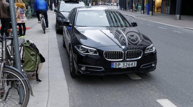 Karenslyst allé — parkering i sykkelfeltet