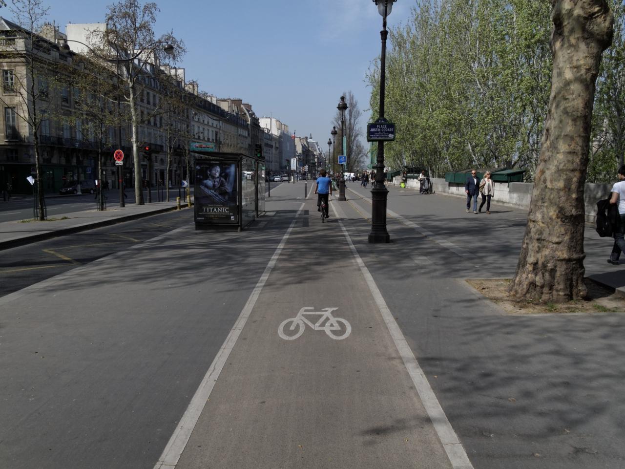 På sykkel i Paris og Oslo