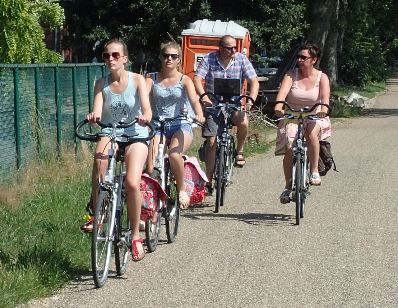 Syklister på søndagstur