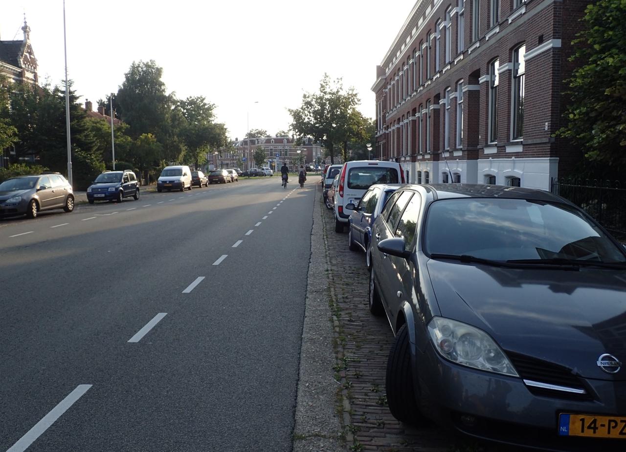 Breda, parkering innenfor sykkelfelt