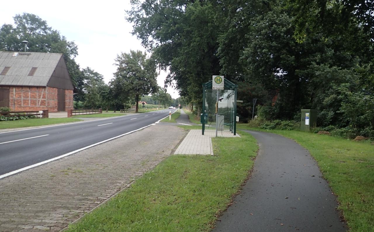 Bussholdeplass, sykkelvei