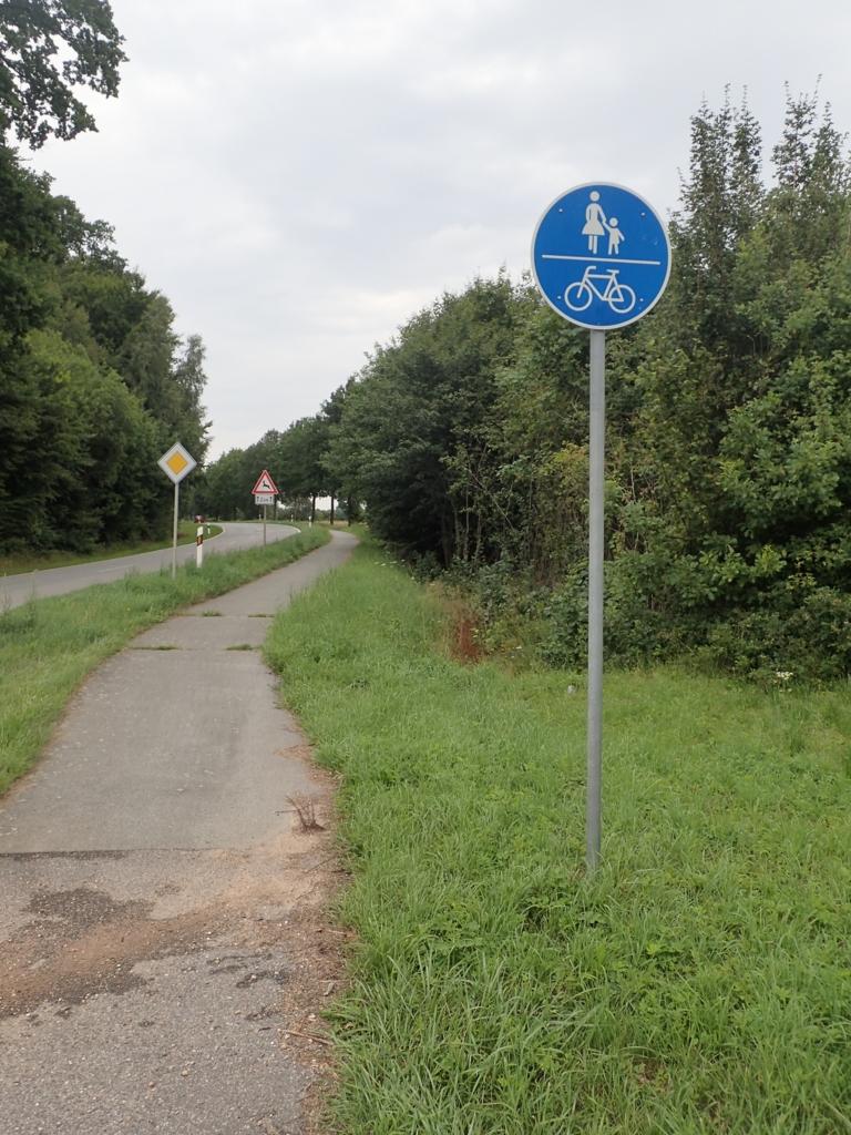 Påbudt gang og sykkelvei